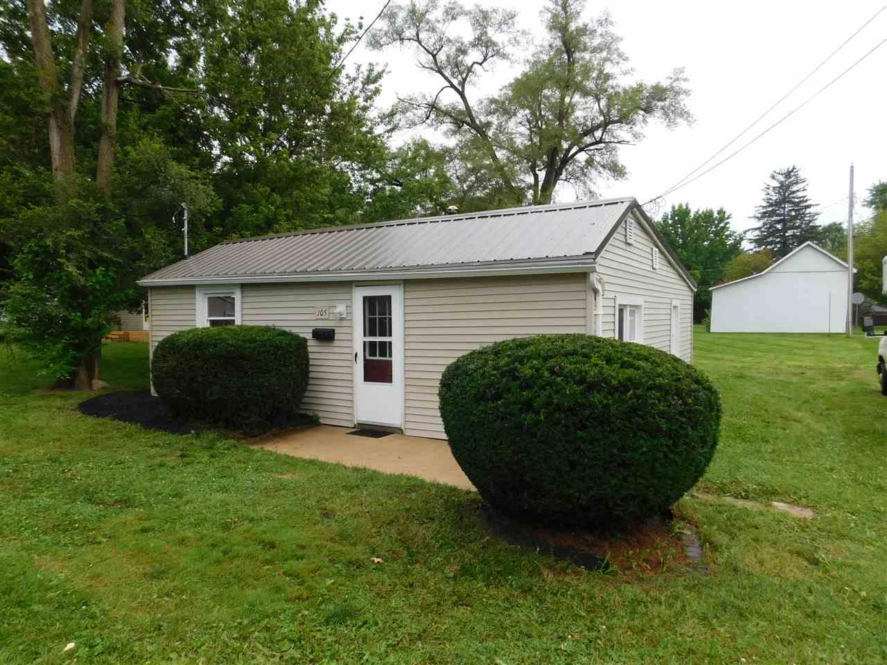 105 W Smith, South Whitley, IN 46787