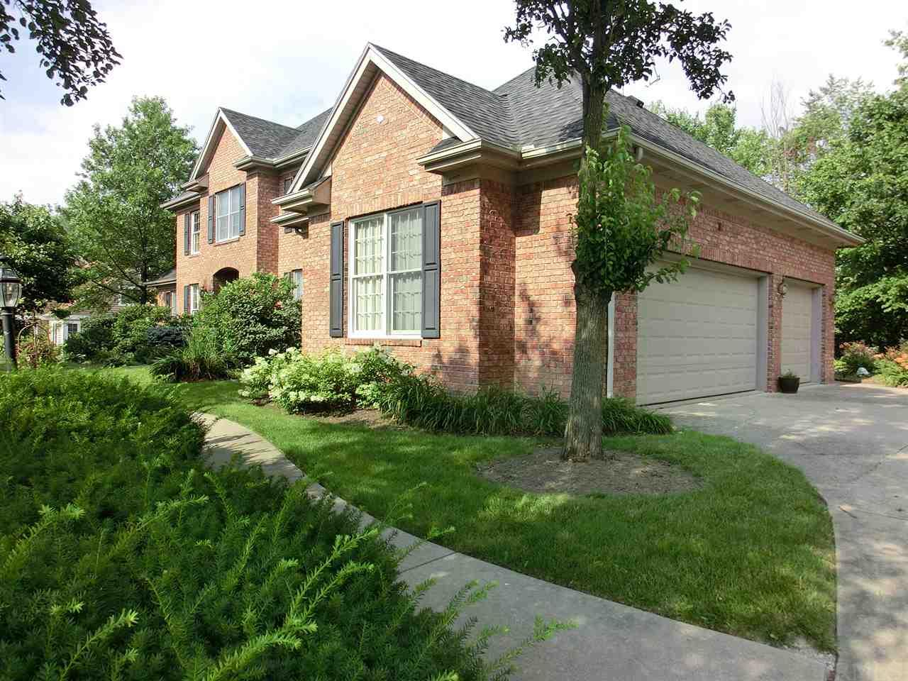 1927 Inverness Lakes Crossing, Fort Wayne, IN 46804
