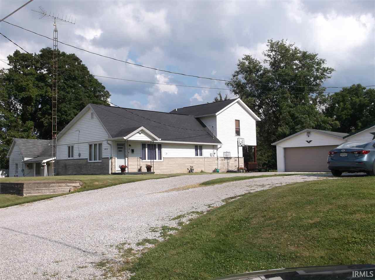 22 E Judson, Bloomfield, IN 47424