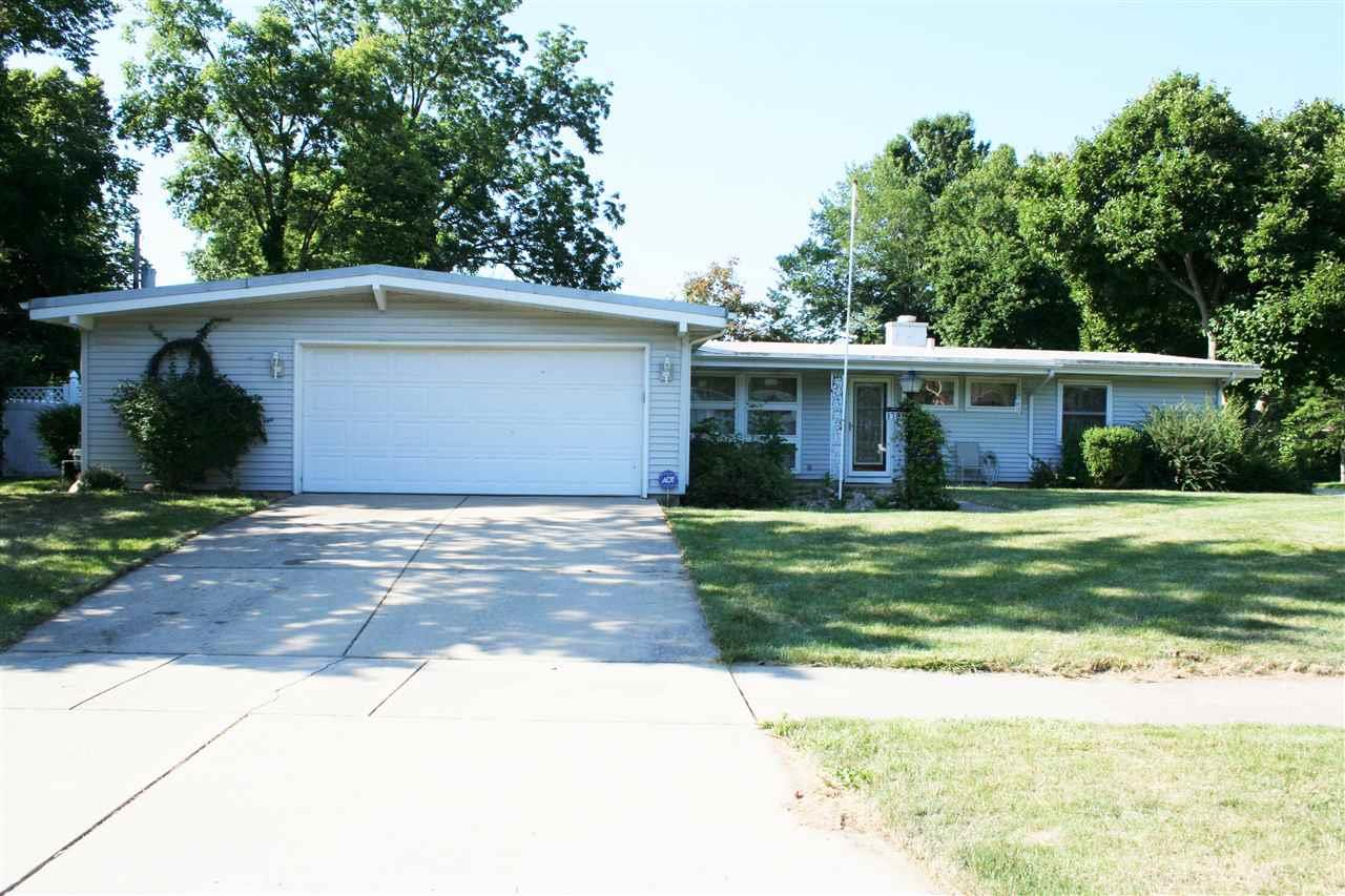 1721 HILLSDALE RD., South Bend, IN 46614