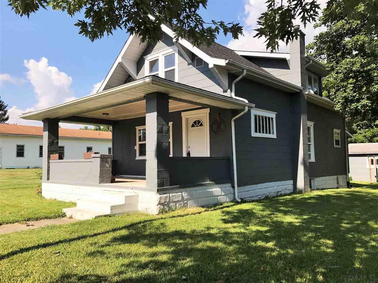 353 S MAIN, Upland, IN 46989