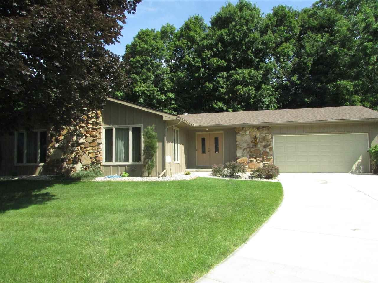 5223 N Monticello, South Bend, IN 46614