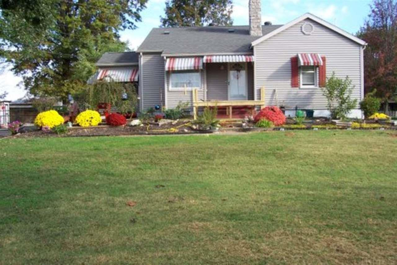 597 S State Road 57, Oakland City, IN 47660
