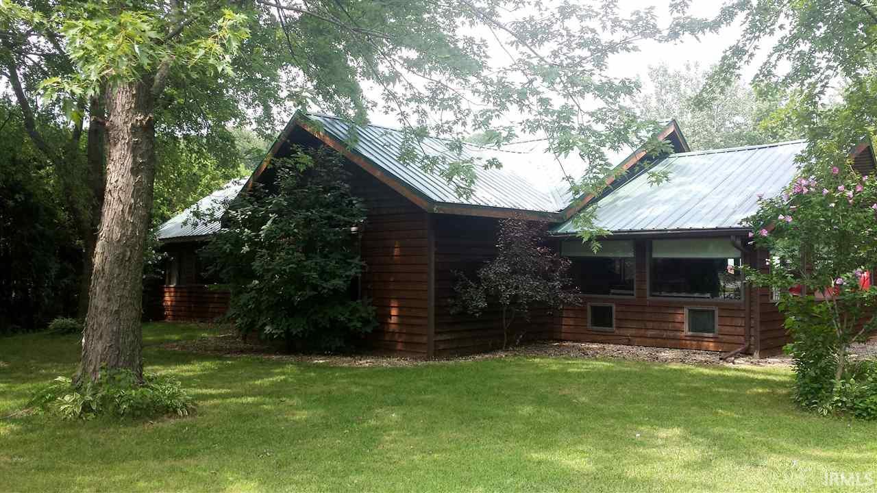 8032 Oak Tree Drive, Rensselaer, IN 47978