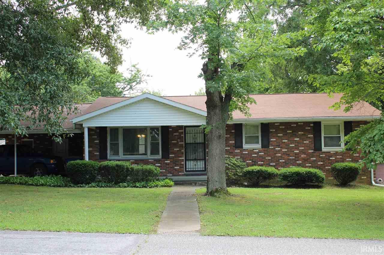 156 W Jefferson, Chandler, IN 47610