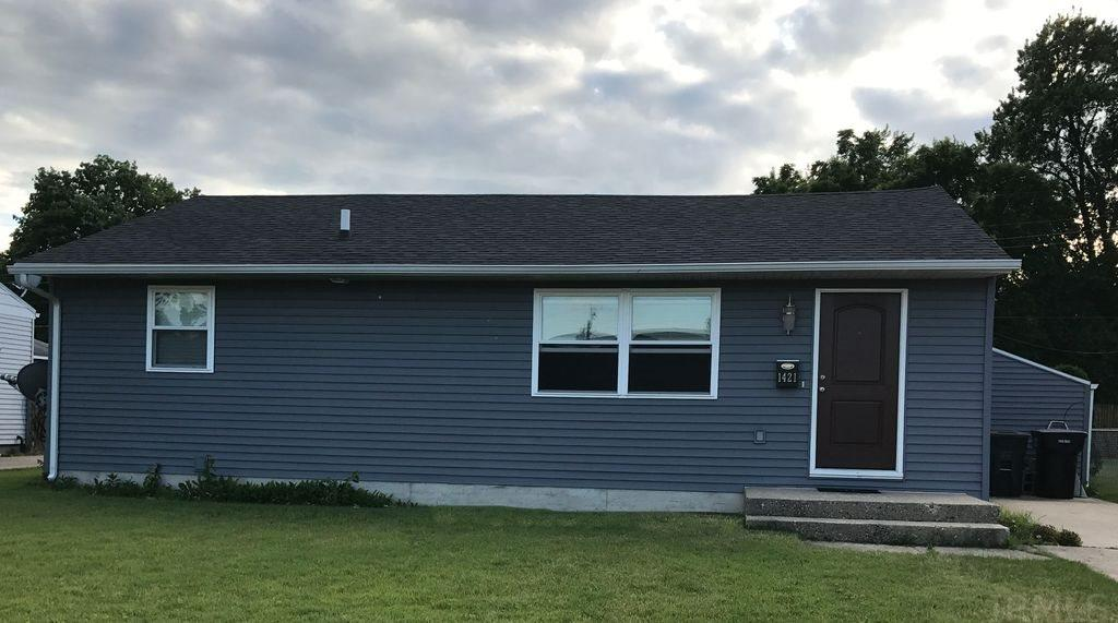 1421 Ryer, South Bend, IN 46628