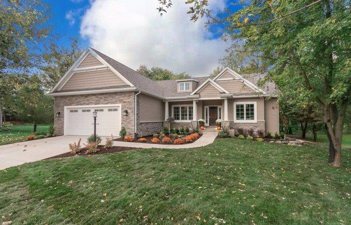 4611 Pier Court, South Bend, IN 46628