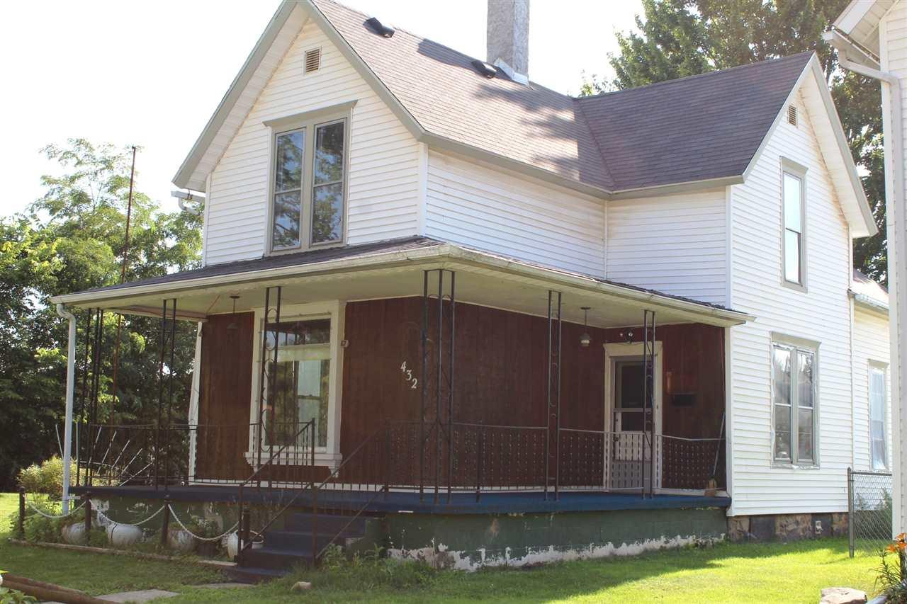 432 S State, Kendallville, IN 46755