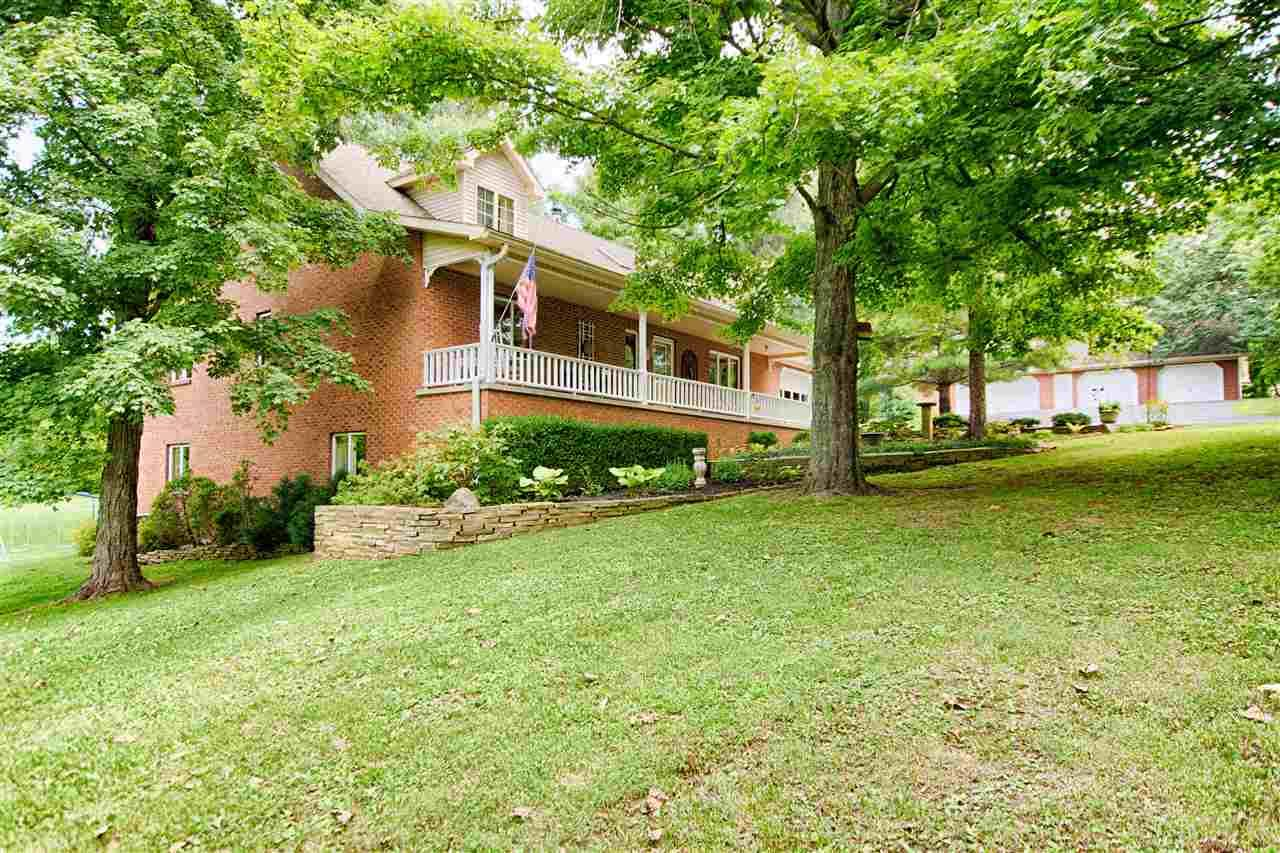 2044 W Huffman, Boonville, IN 47601