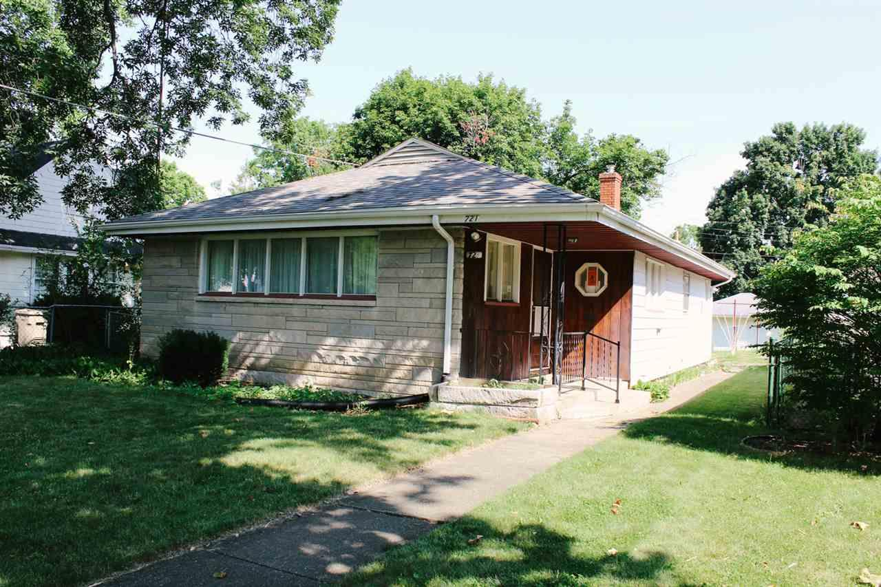 721 E Fairview, South Bend, IN 46614