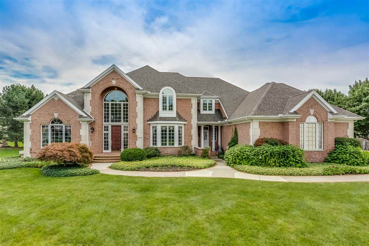 2708 Twixwood, South Bend, IN 46614