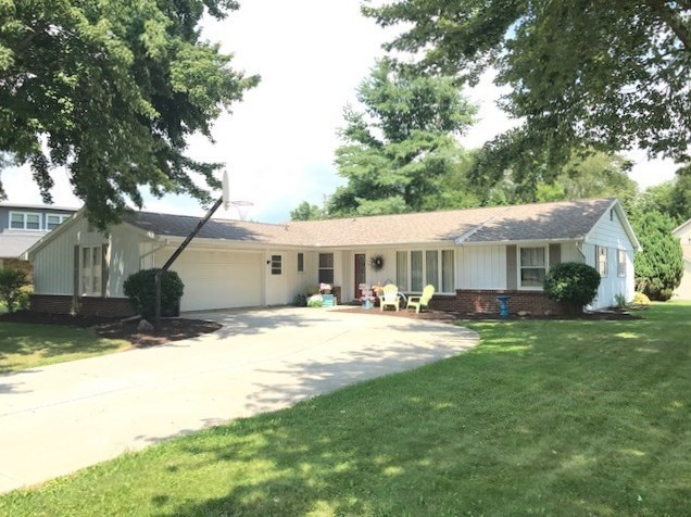 702 Hillcrest, South Whitley, IN 46787
