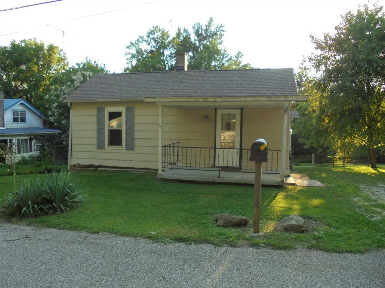 821 SMITH AVE, Oolitic, IN 47451