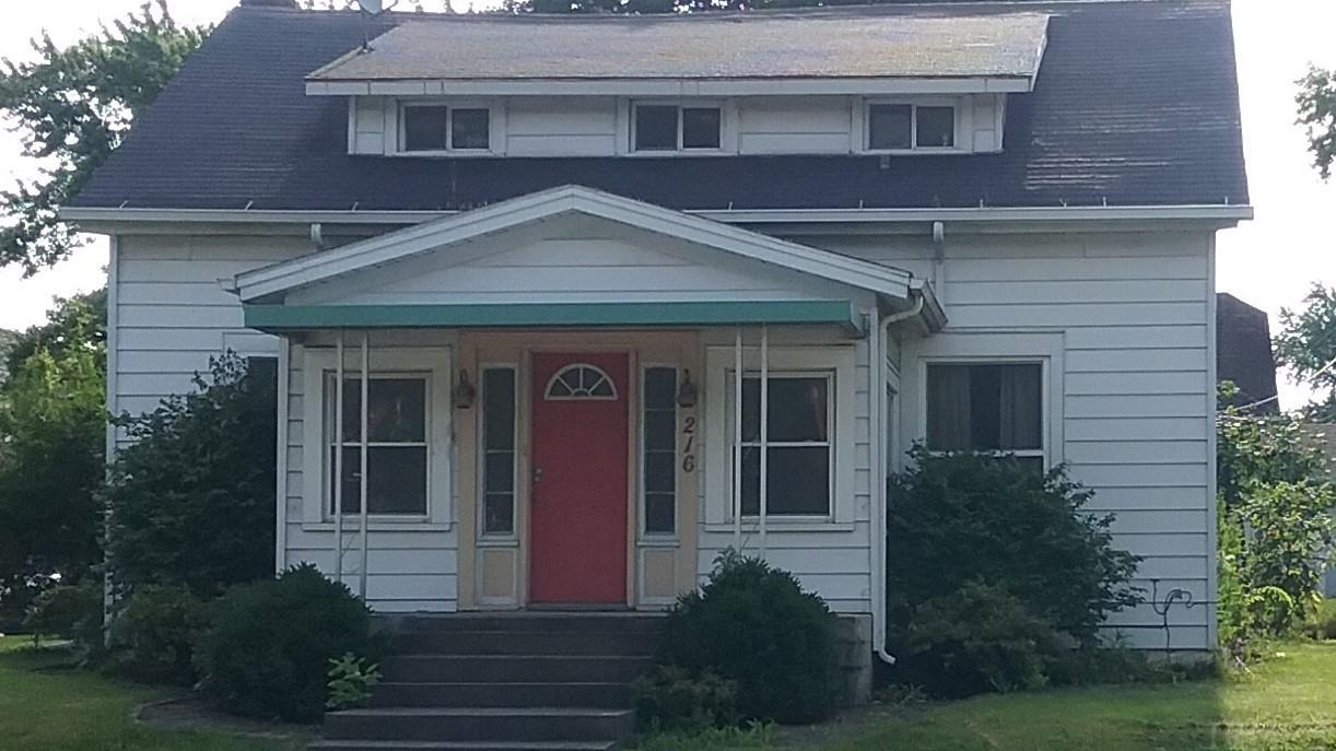 216 N State Street, South Whitley, IN 46787