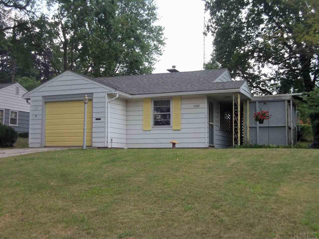 1522 Altgeld, South Bend, IN 46614