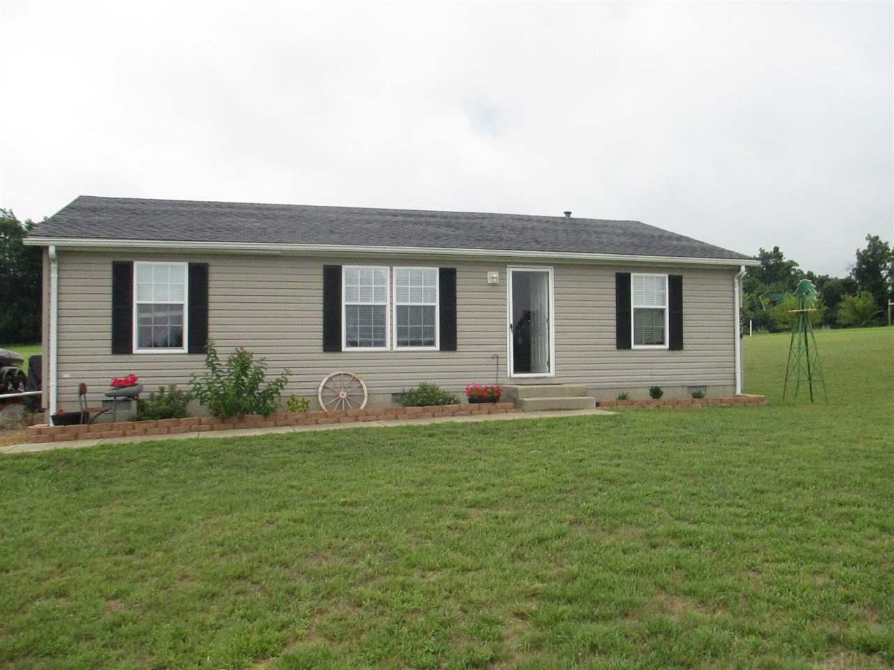 8874 S Meadow, Owensville, IN 47665