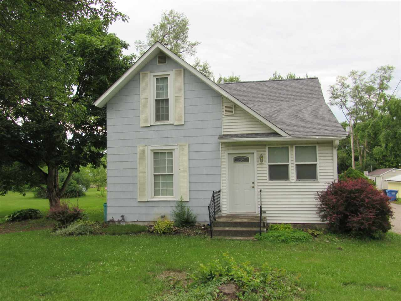 601 S State, South Whitley, IN 46787