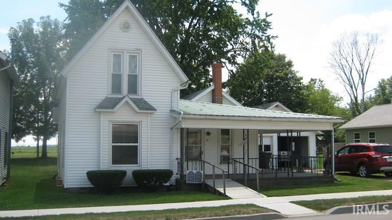 318 E Lake Avenue, Topeka, IN 46571