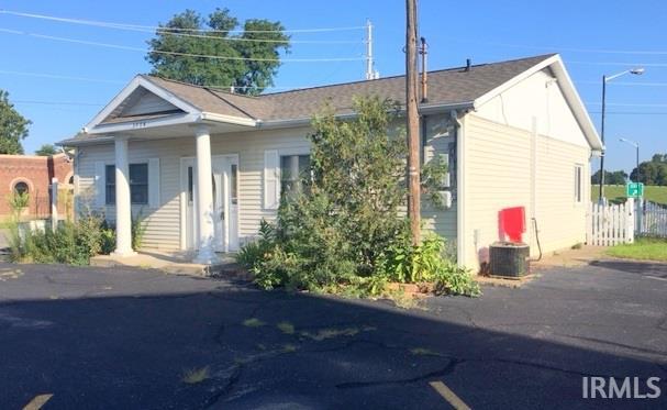 1104 Mishawaka Avenue, South Bend, IN 46615