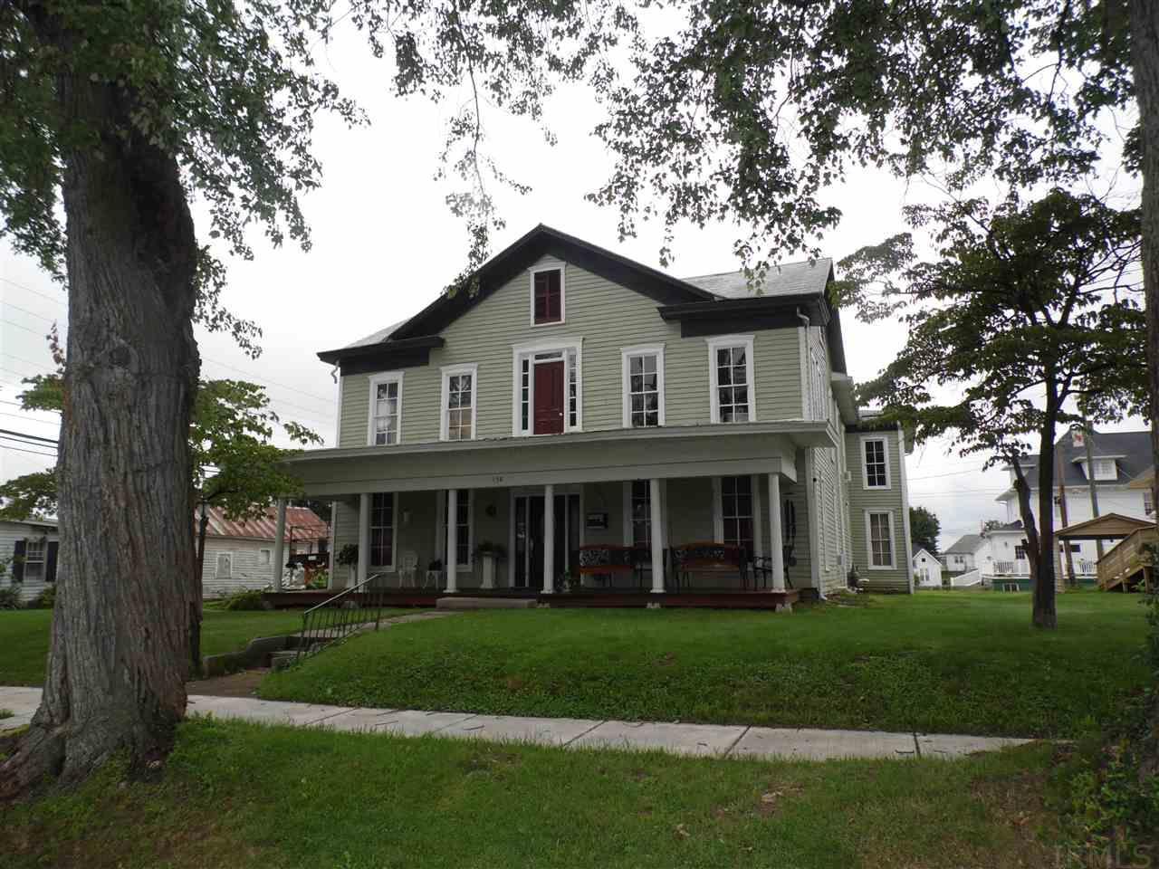 158 E Jefferson, Orleans, IN 47452