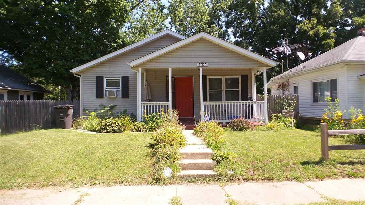 1704 Decamp, Elkhart, IN 46516
