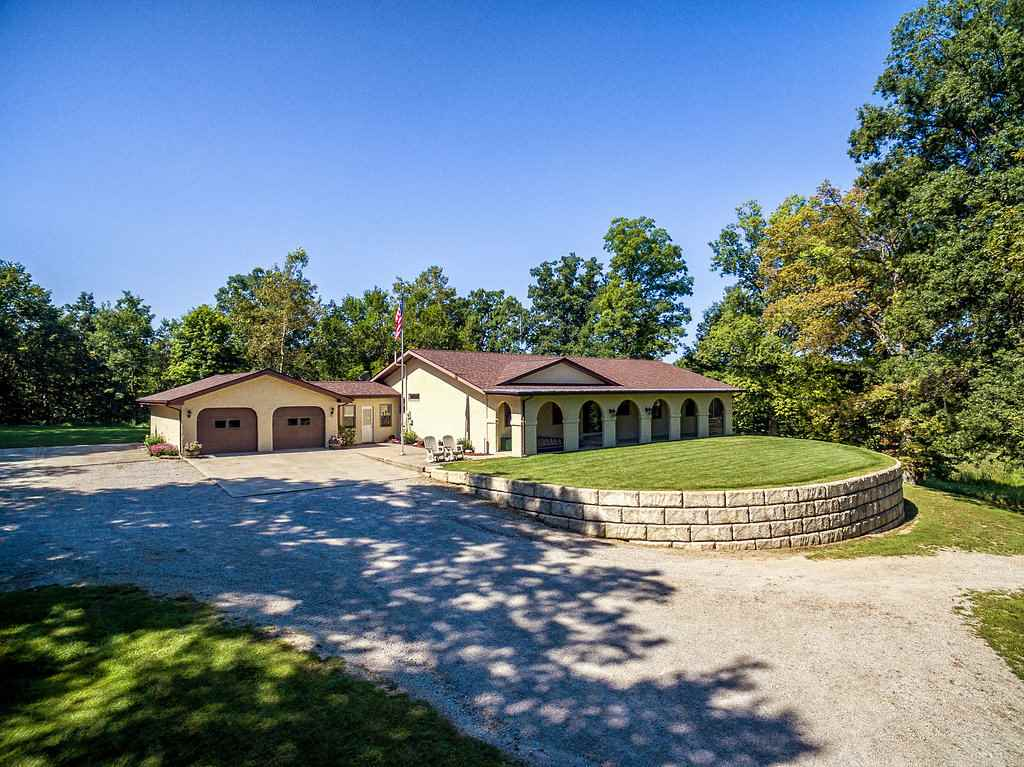 384 S County Line Road-57, Corunna, IN 46730