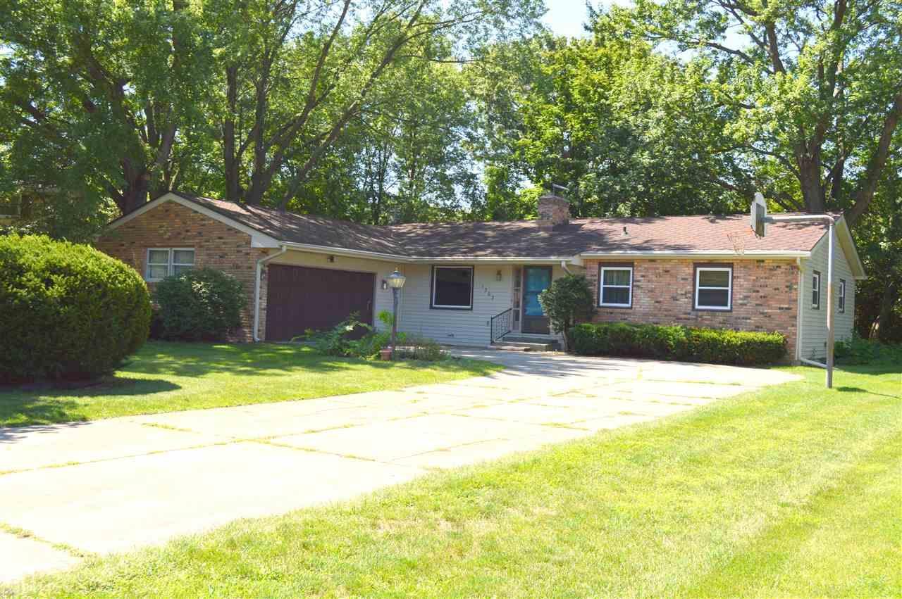 1303  Andover Place Elkhart, IN 46514
