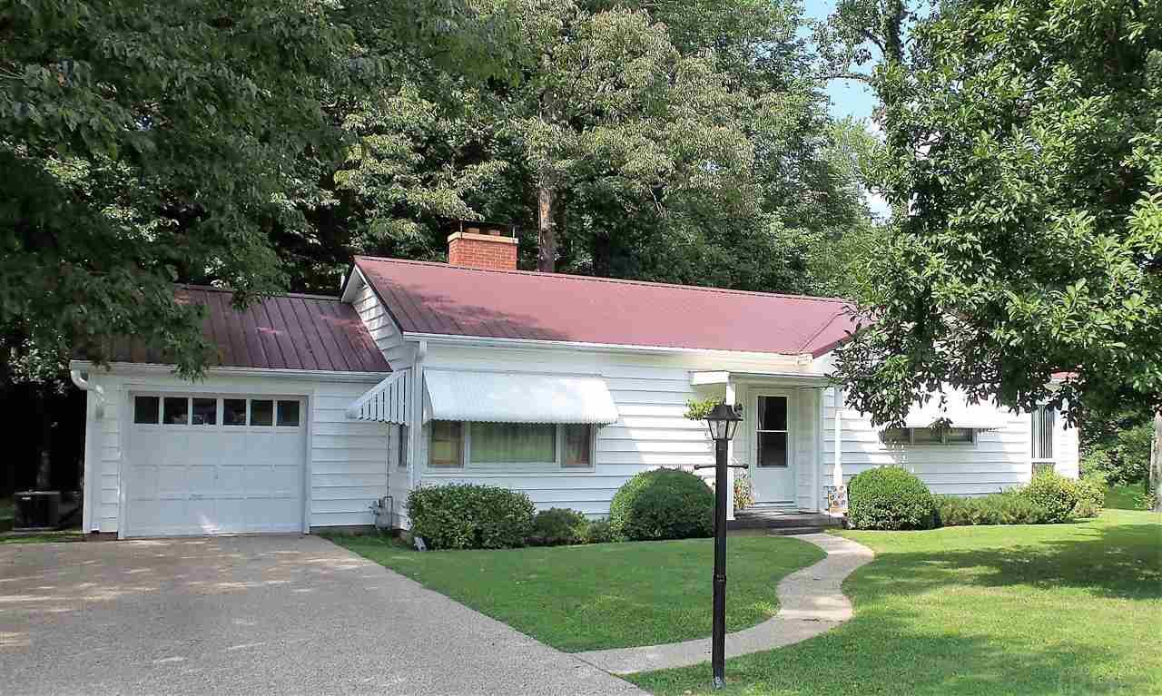 1428 Brett Cabel, Washington, IN 47501