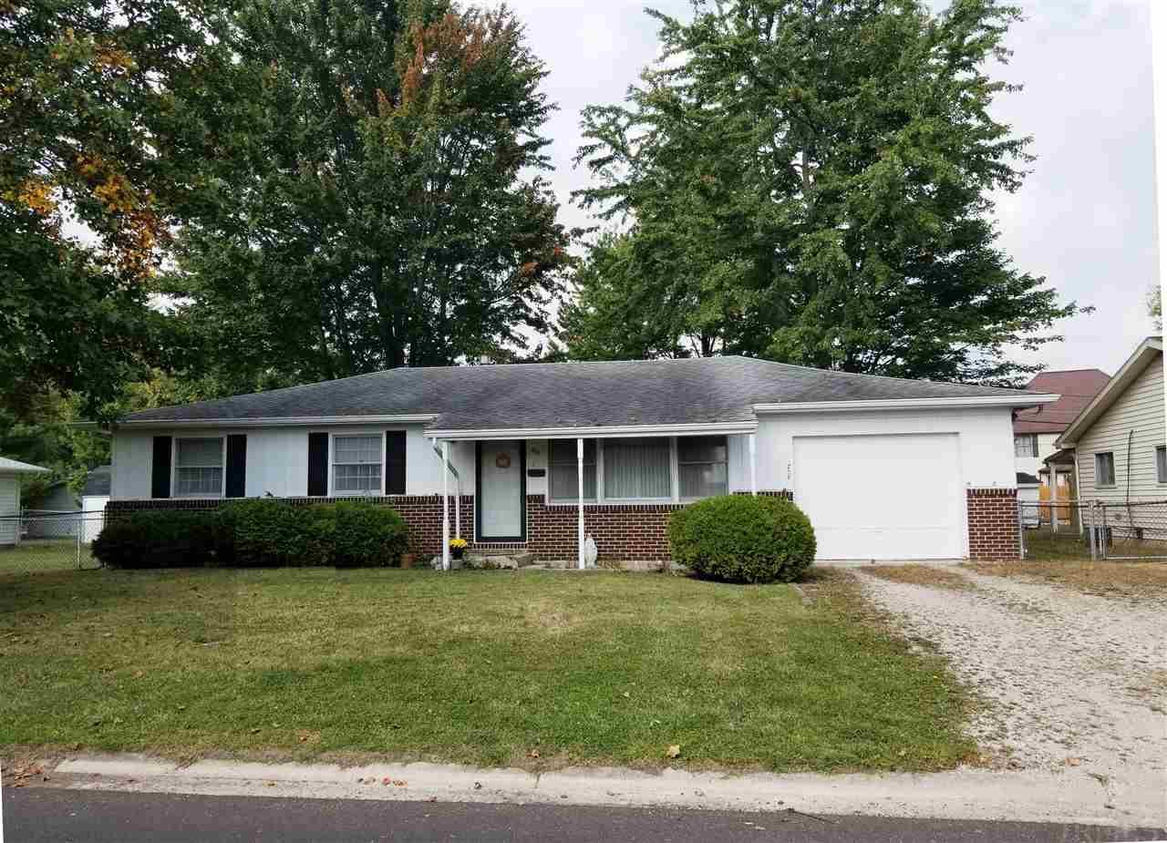 206 Greenwood, Hartford City, IN 47348