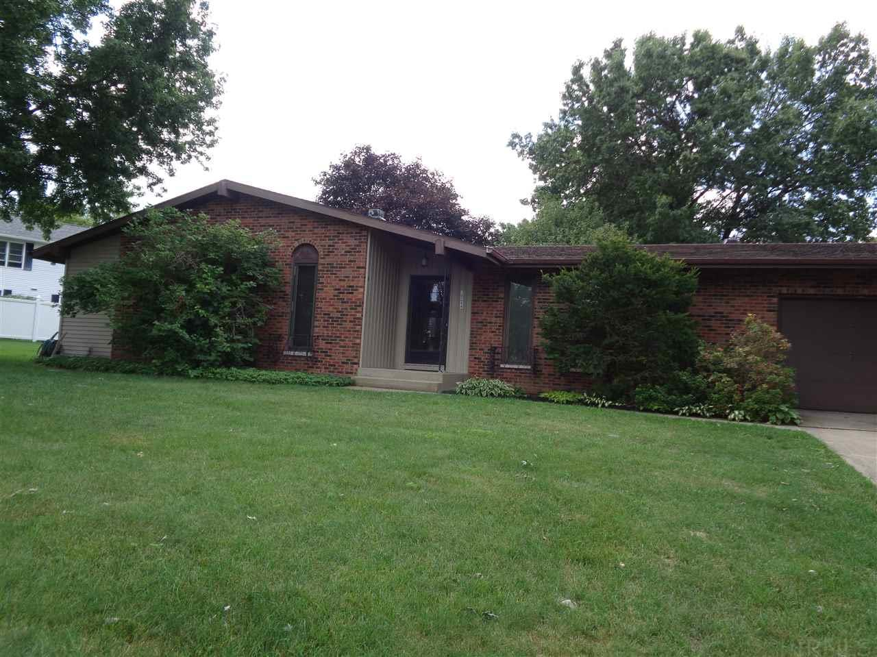 18244 Crownhill, South Bend, IN 46637