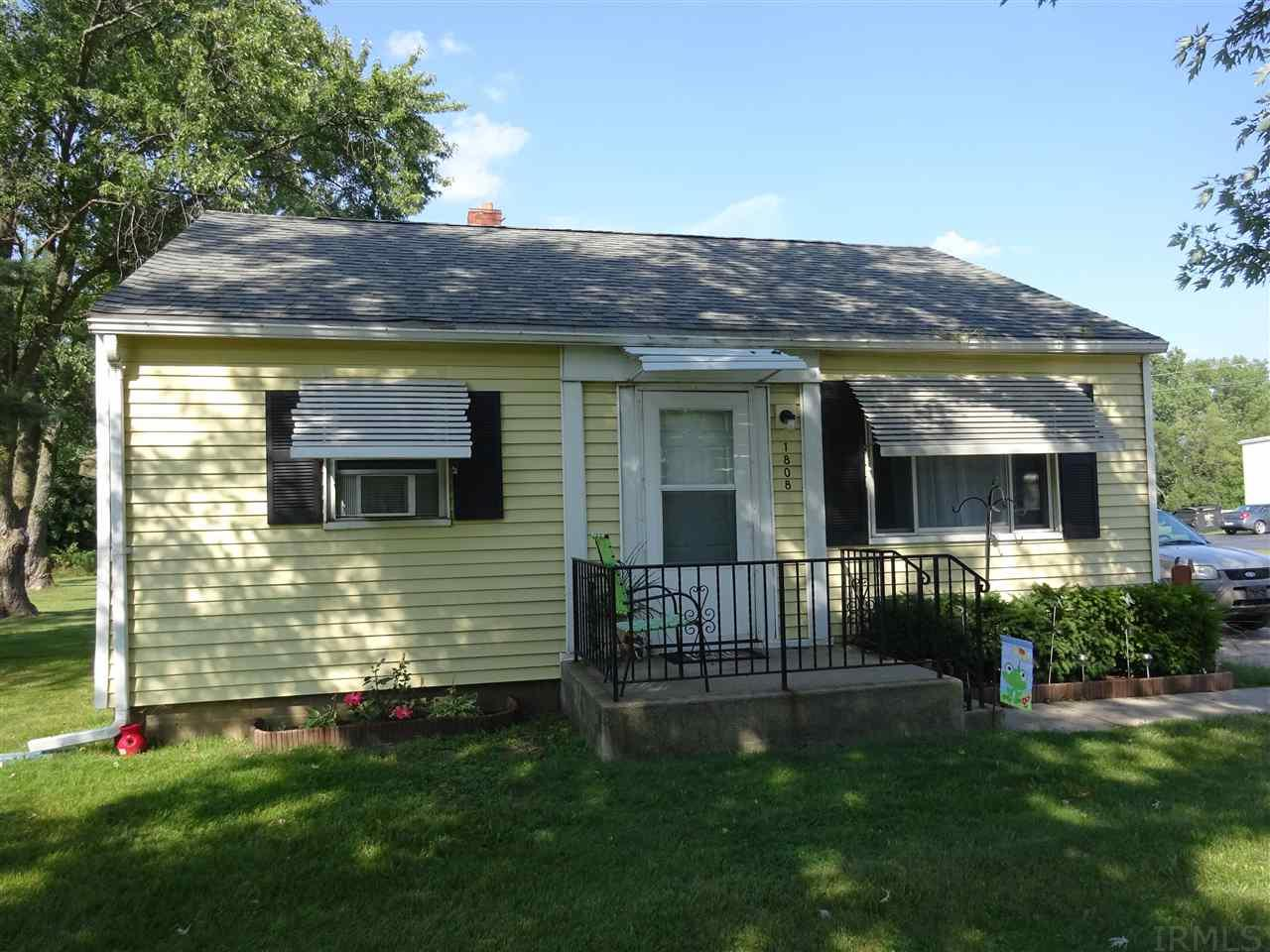 1808 Lincolnway East, Goshen, IN 46526