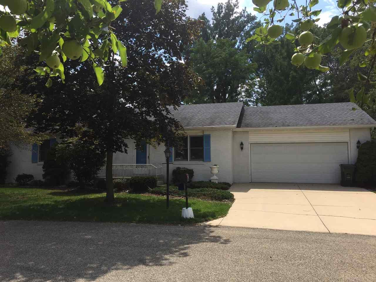 1725 Hope Blvd, Plymouth, IN 46563
