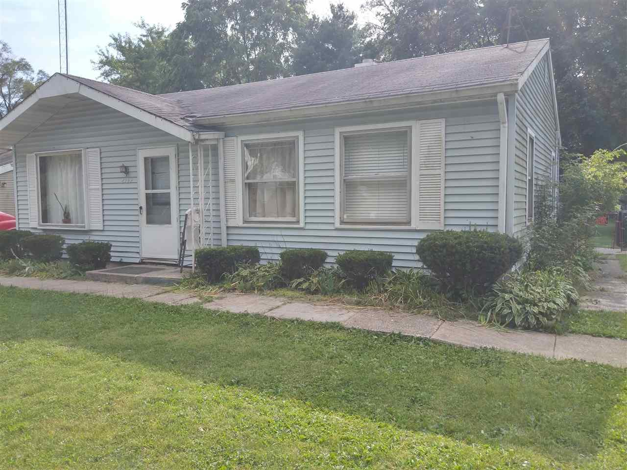 2139  Huey South Bend, IN 46628