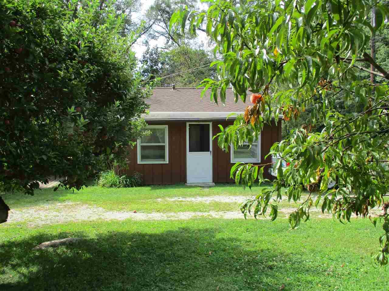 909 BLUEWATER DR, MONTICELLO, IN 47960  Photo 2