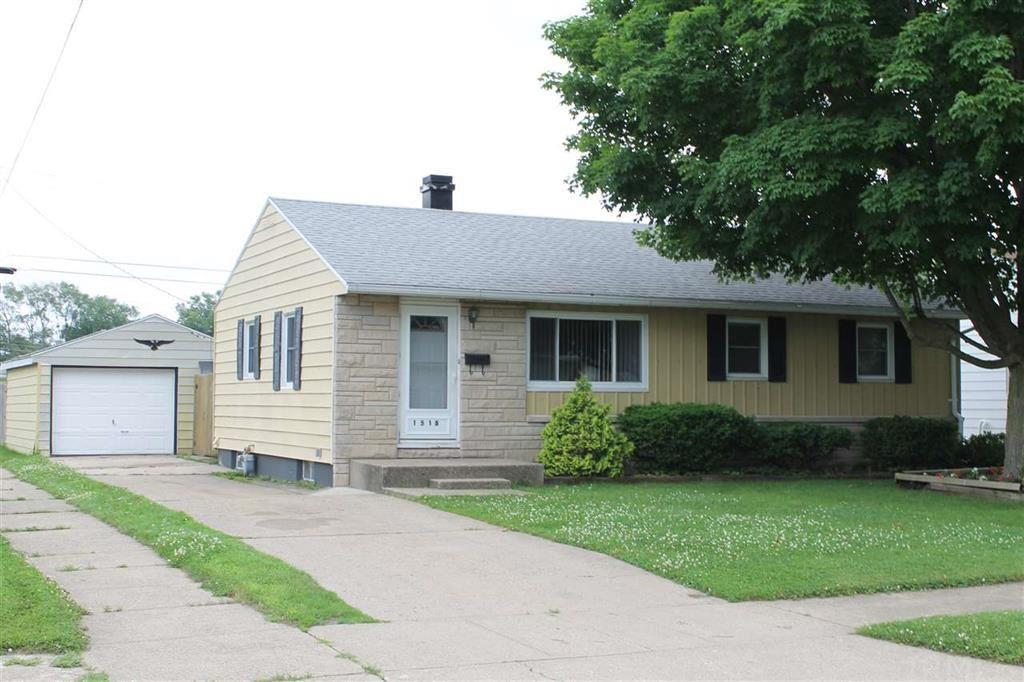 1518 N Kenmore South Bend, IN 46628