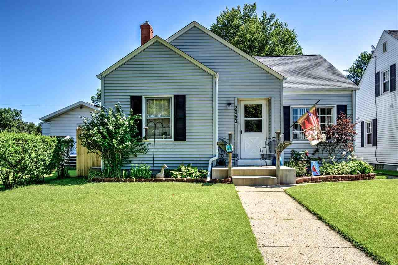 2062 Beverly, South Bend, IN 46616