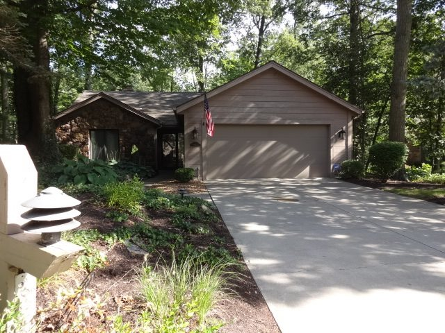 6414 E Canal Point, Fort Wayne, IN 46804