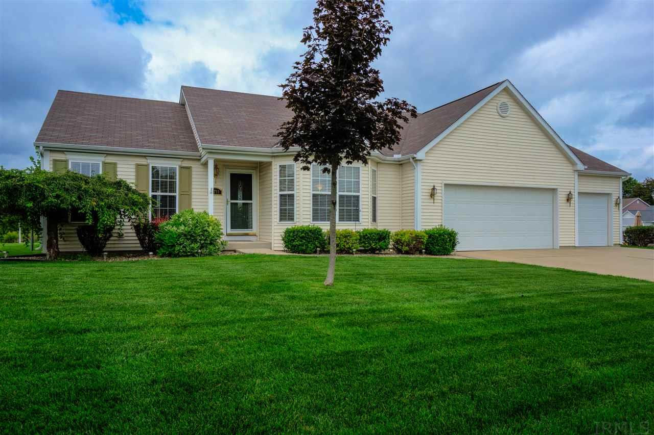 6711 HILLENBRAND DR, South Bend, IN 46614