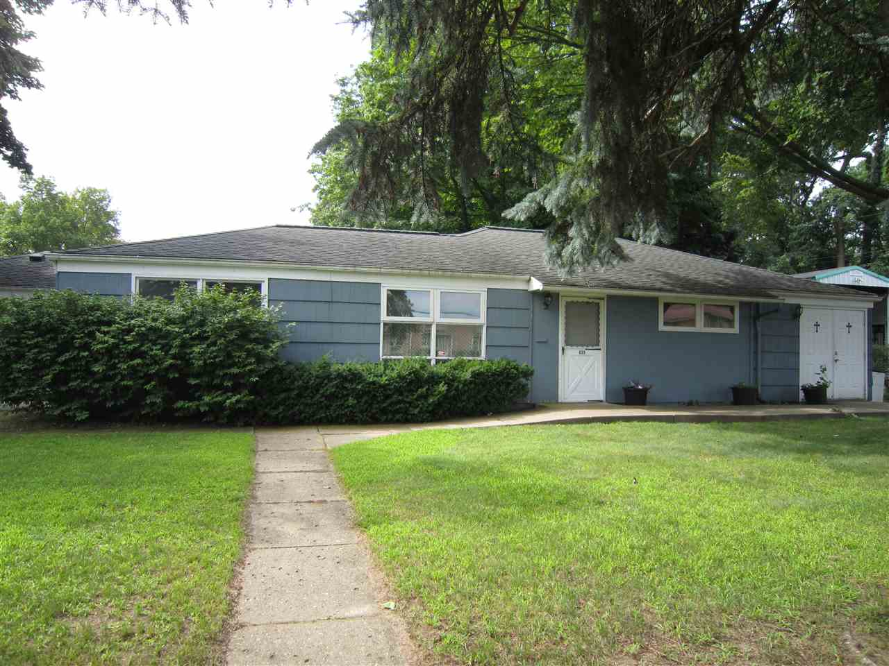 839 Woodcliff, South Bend, IN 46615