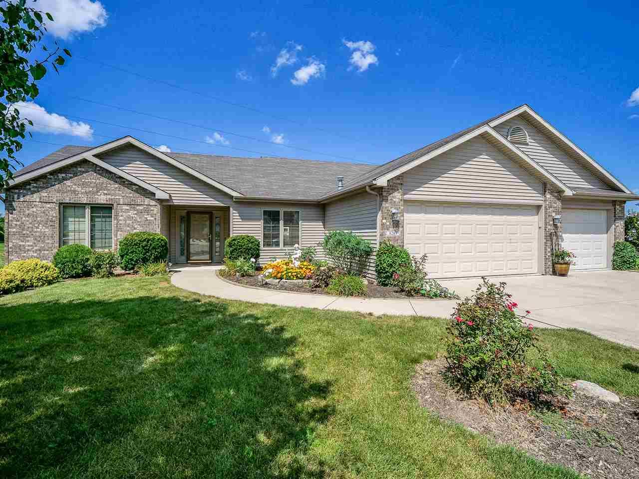 8203 Grand Forest, Fort Wayne, IN 46815