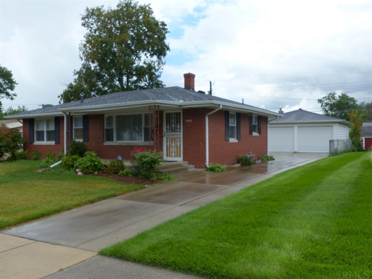 3509  Whitcomb South Bend, IN 46614