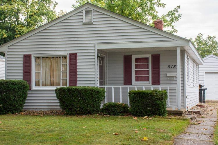 618 S 25TH South Bend, IN 46615
