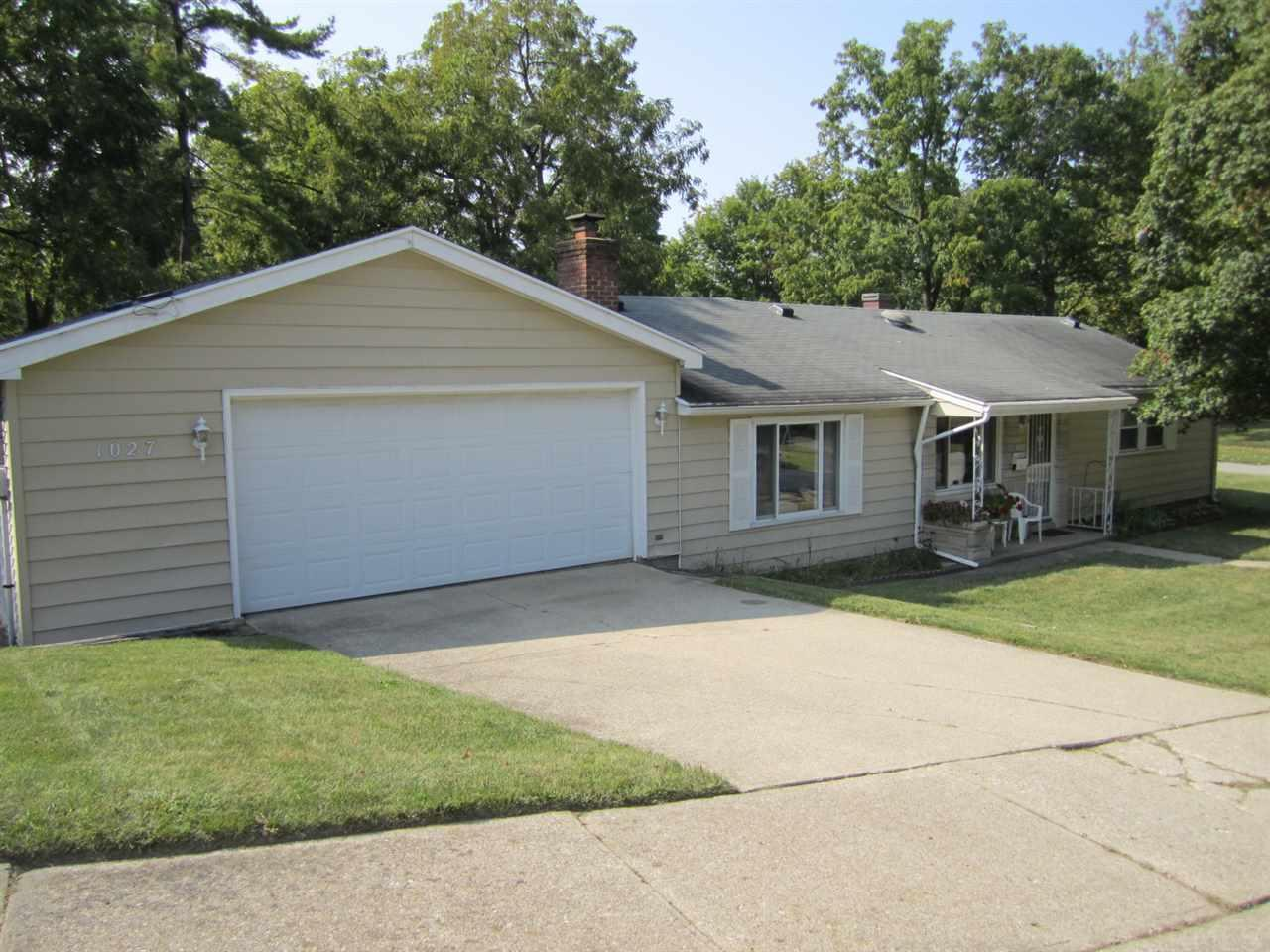1027  Dover South Bend, IN 46614
