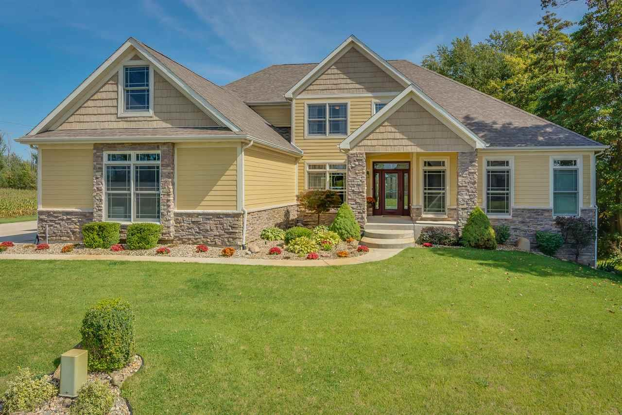 53210  Sunset Marble Dr South Bend, IN 46628