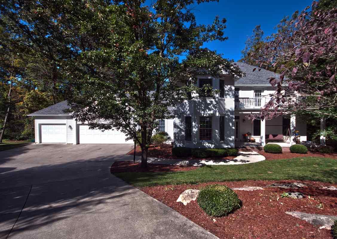 213  Greenfield Middlebury, IN 46540