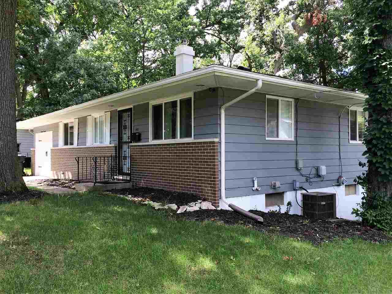 1417  Woodcrest South Bend, IN 46617