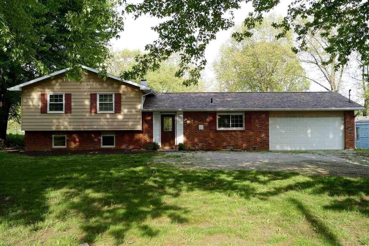 5152 N 925 E, North Webster, IN 46555