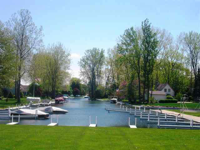 TBD E Country Club Ln, 1+ Acre Lot  Syracuse, IN 46567