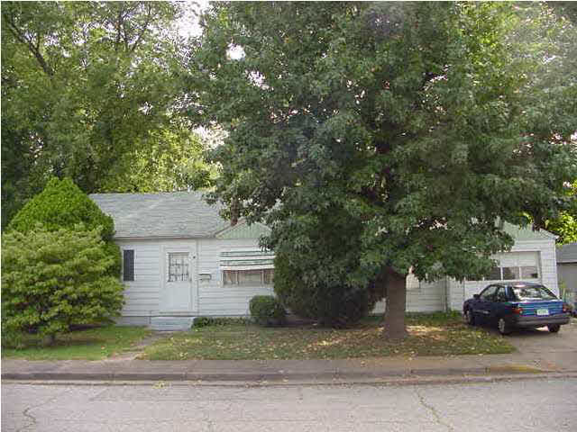 131 OAKLAND AVE, Evansville, IN 47708