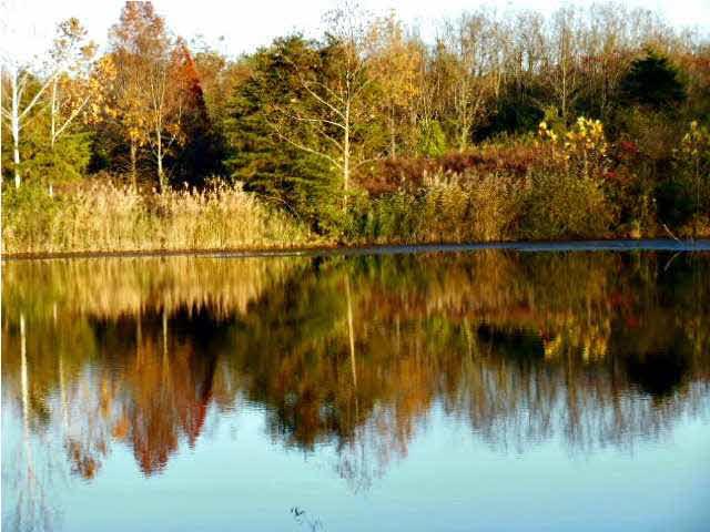 1 SPRING LAKE DR, Boonville, IN 47601
